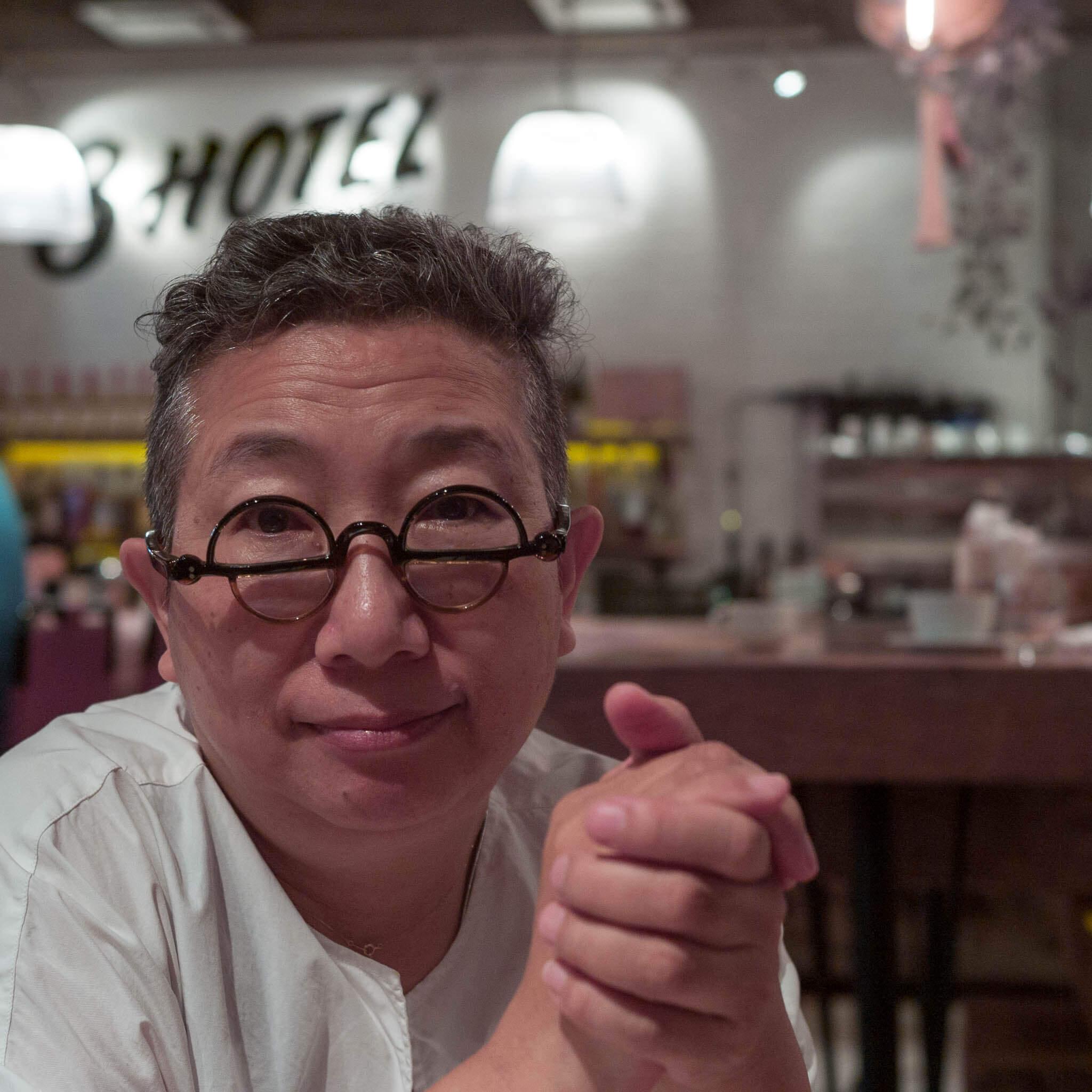 右脳人間・秦万里子さんが『君の一時間目』のライブ配信をはじめました。