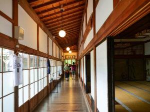 恵光院さんの廊下